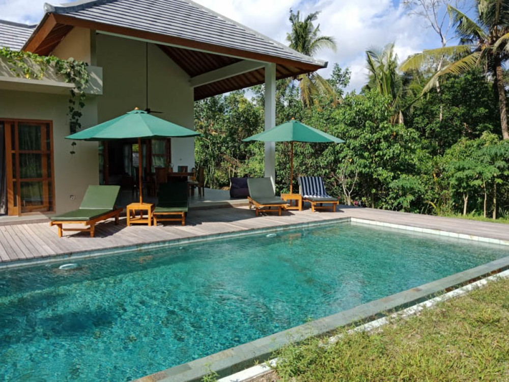 Bali villas for rent with a comfort outdoor swimming pool