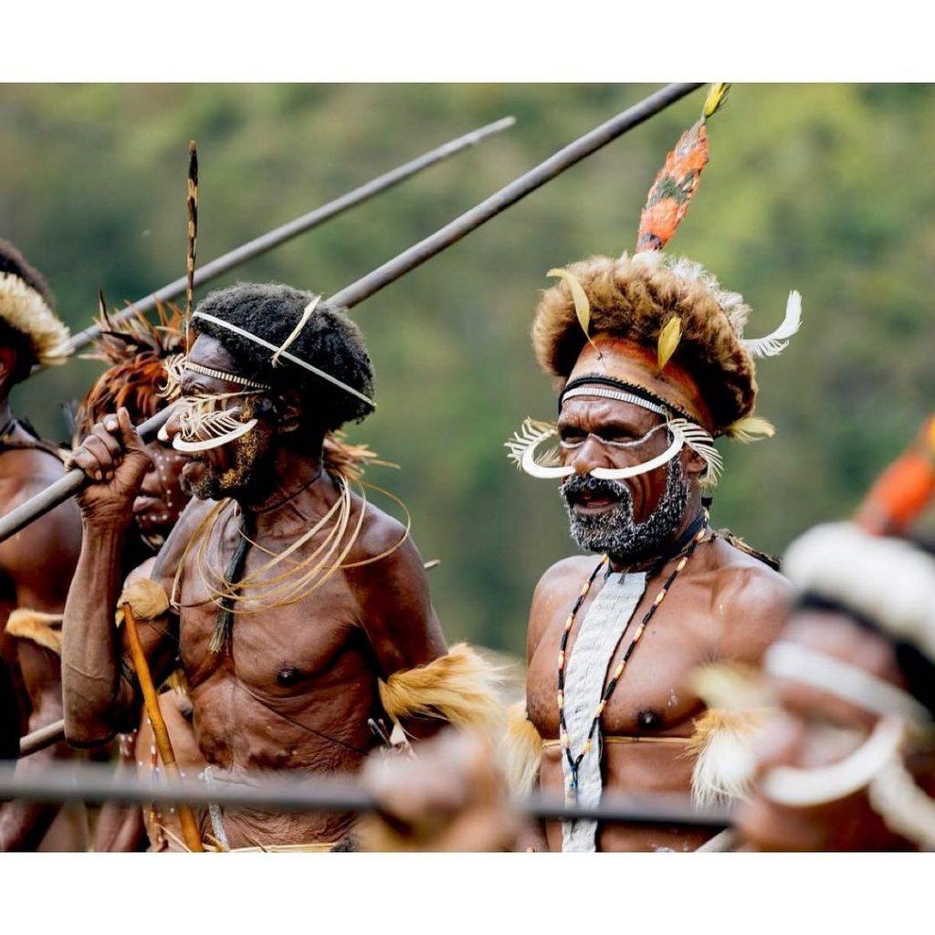 Papua Tour