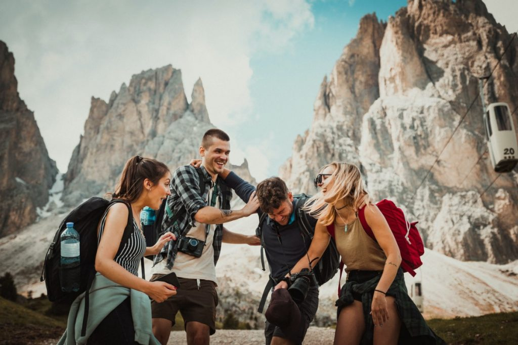 Benefits You Gain From Travelling With Friends